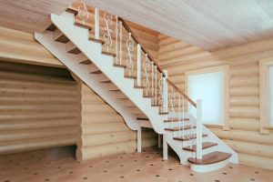 Лестница из ясеня на заказ