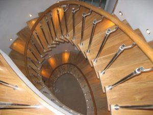 Винтовая лестница для дома