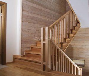 Лестницы для загородного дома из дерева