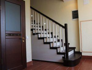 Купить лестницу прямую деревянную в Лесен-Ко